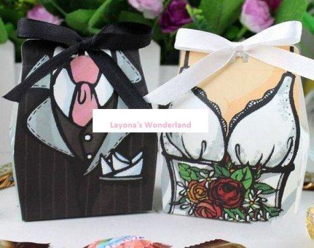 Μπομπονιέρα Νύφη και Γαμπρός με λευκή και μαύρη κορδέλα