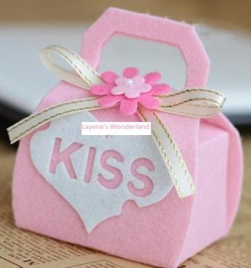 Μπομπονιέρα Τσαντάκι Kiss - Love