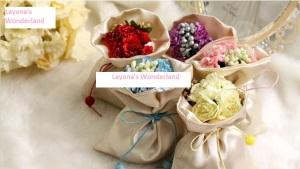 Μπομπονιέρα Πουγκί Σατέν με Λουλούδια & Κορδέλα