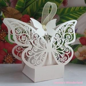 Μπομπονιέρα Γάμου - Βάπτισης Πεταλούδα Λευκή