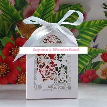Μπομπονιέρα Φαναράκι Πεταλούδες και Λουλούδια-2