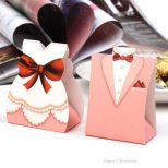 Μπομπονιέρα Γάμου Νύφη και Γαμπρός Ροζ με Κόκκινο ΚΩΔ: GR0108