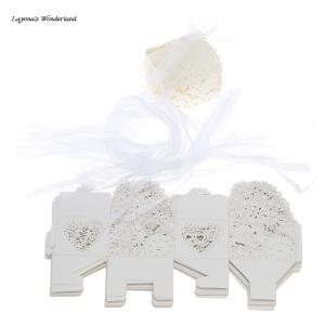 Μπομπονιέρα Ρομαντικό Κουτάκι Λευκό Ανοιχτό με Κορδέλες