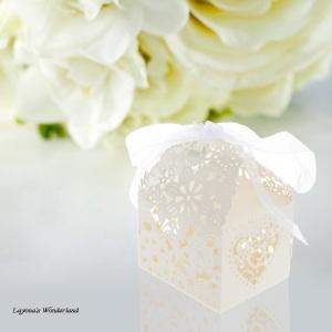 Μπομπονιέρα Ρομαντικό Κουτάκι Λευκό